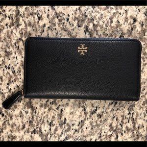 Tory Burch Marsden Black Zip Wallet